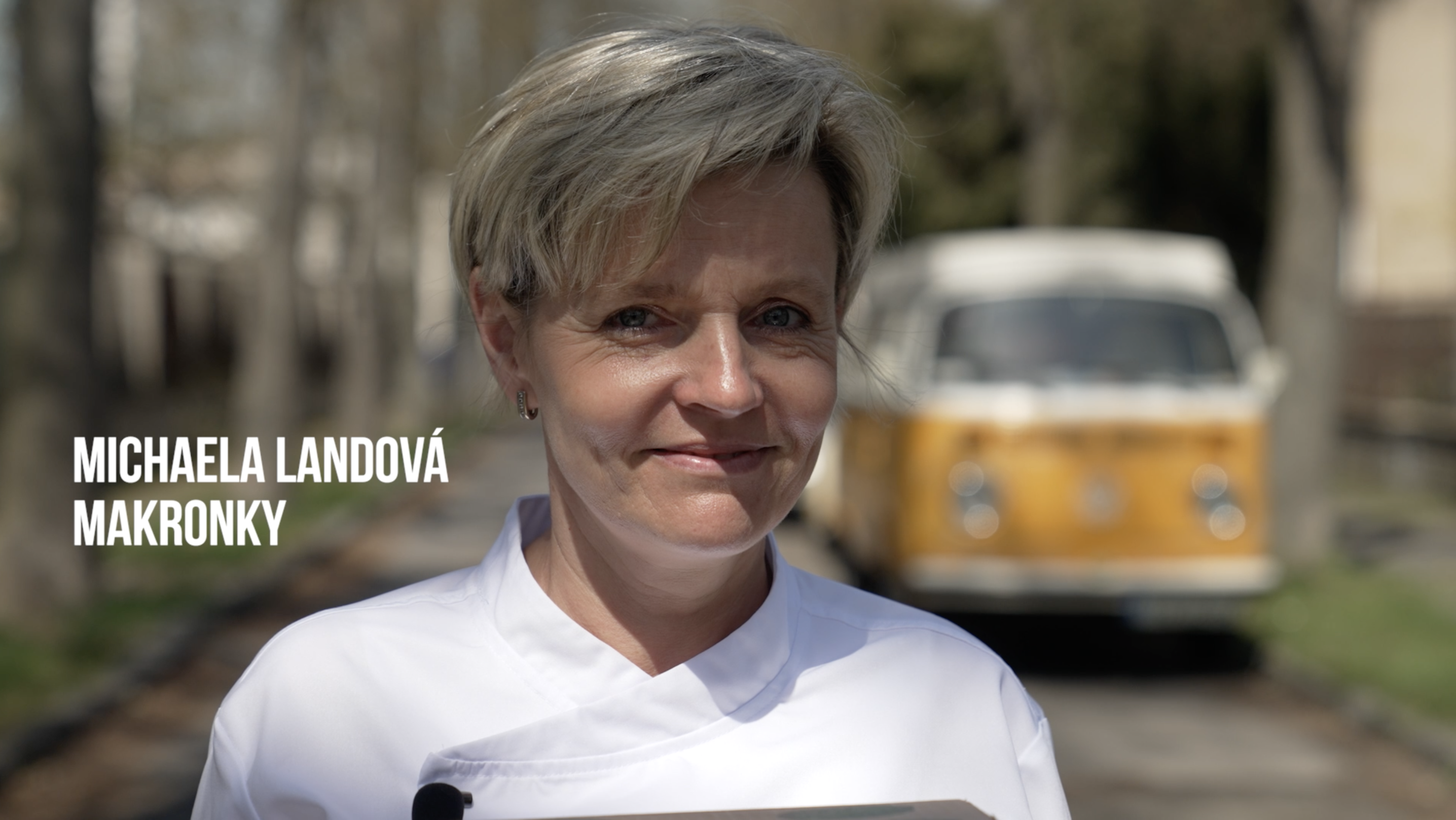 MAKRONKY - DIANA COMPANY & MÍŠA LANDOVÁ - DIANA V KUCHYNI