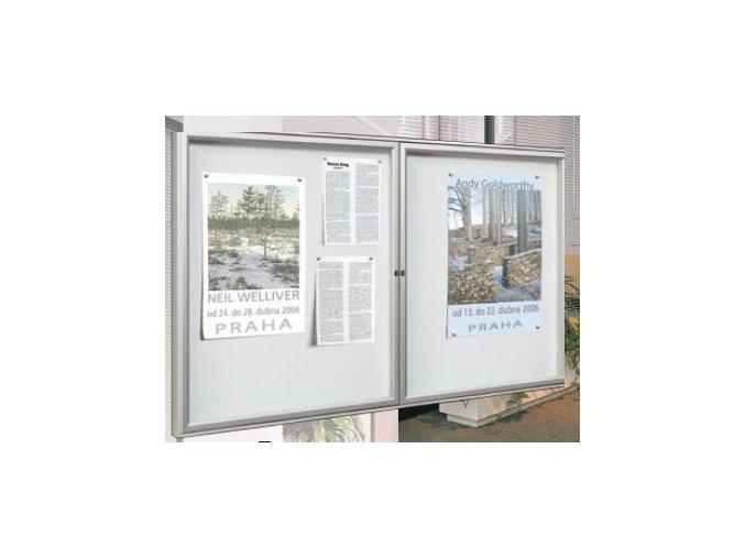 Interiérová dvojkrídlová vitrína 750 x 1200 mm, hĺbka 30 mm - strieborne anodizovaná