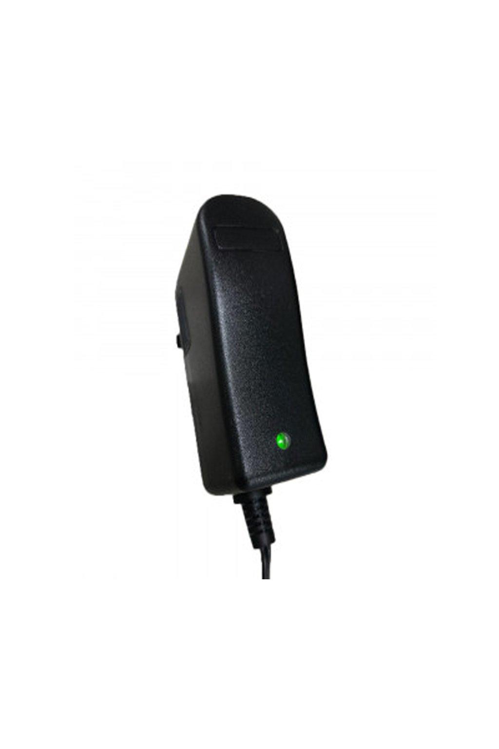 Adaptér s LED indikatorem