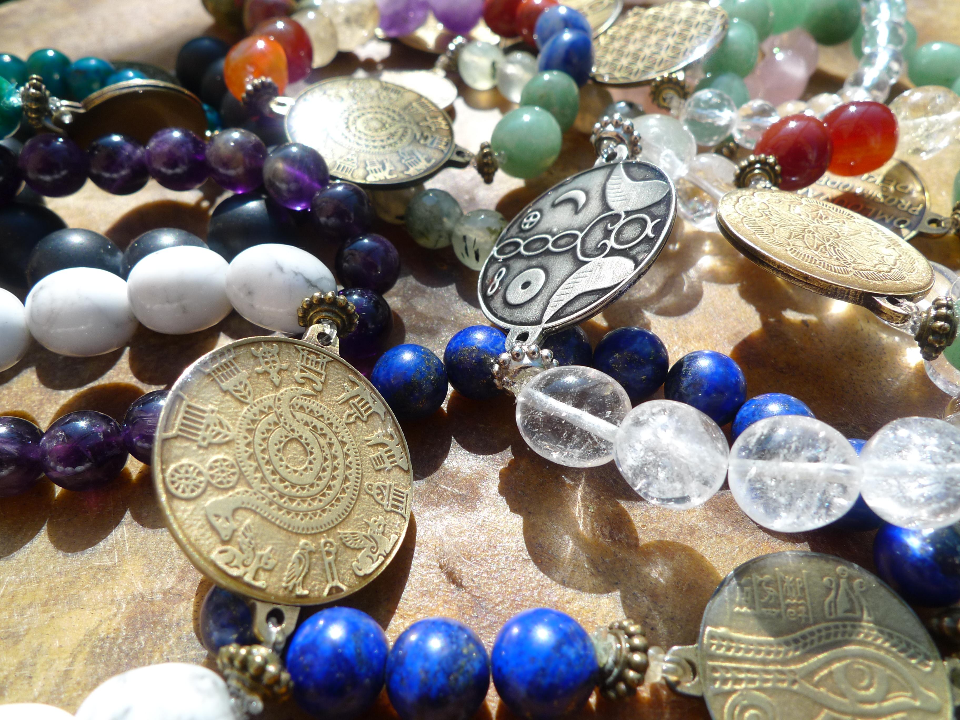 Amulety, domácí