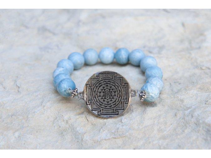 Náramek s amuletem Šrí jantra - Angelit