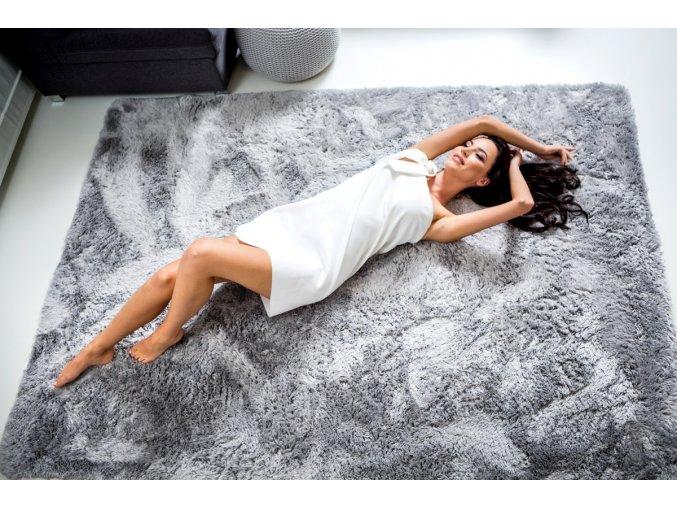 Plyšový koberec - Stříbrný
