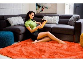 Plyšový koberec - Korálový