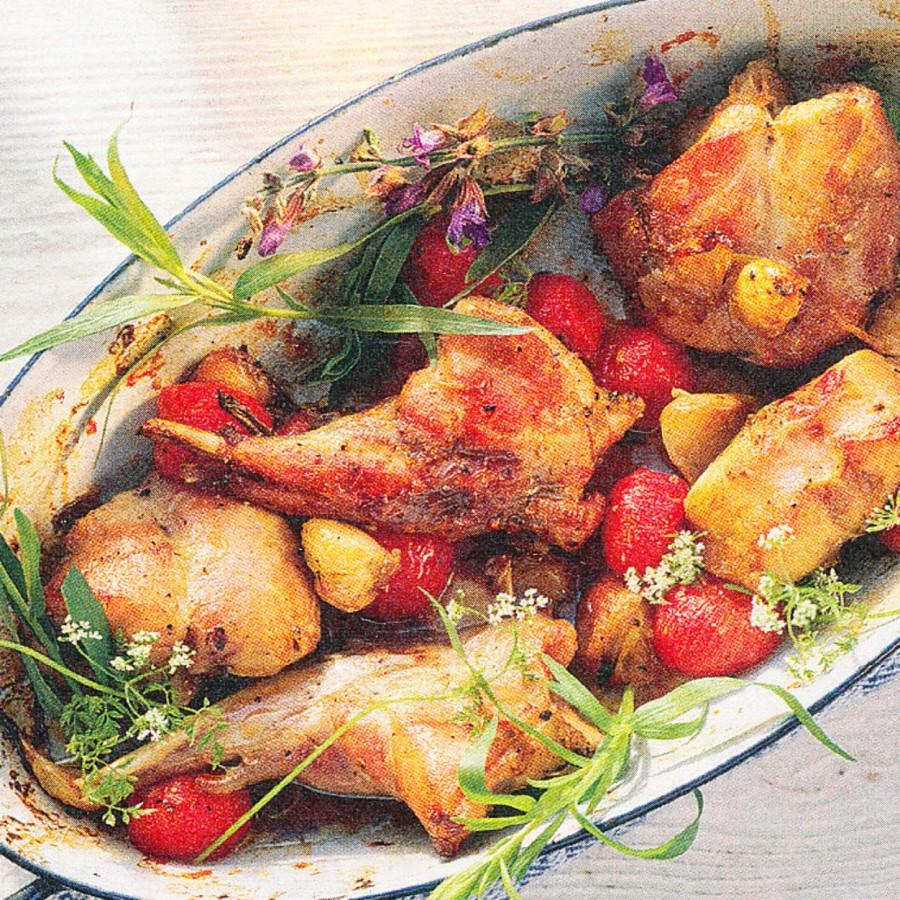 Pečený králík s rajčaty a česnekem