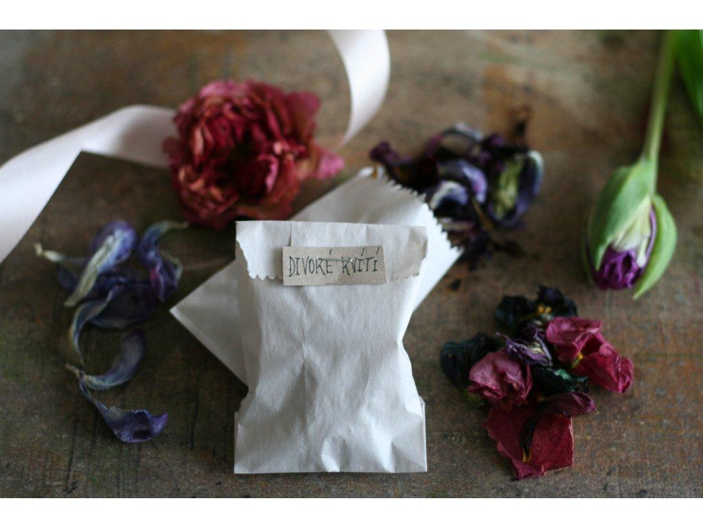 Květinové konfety