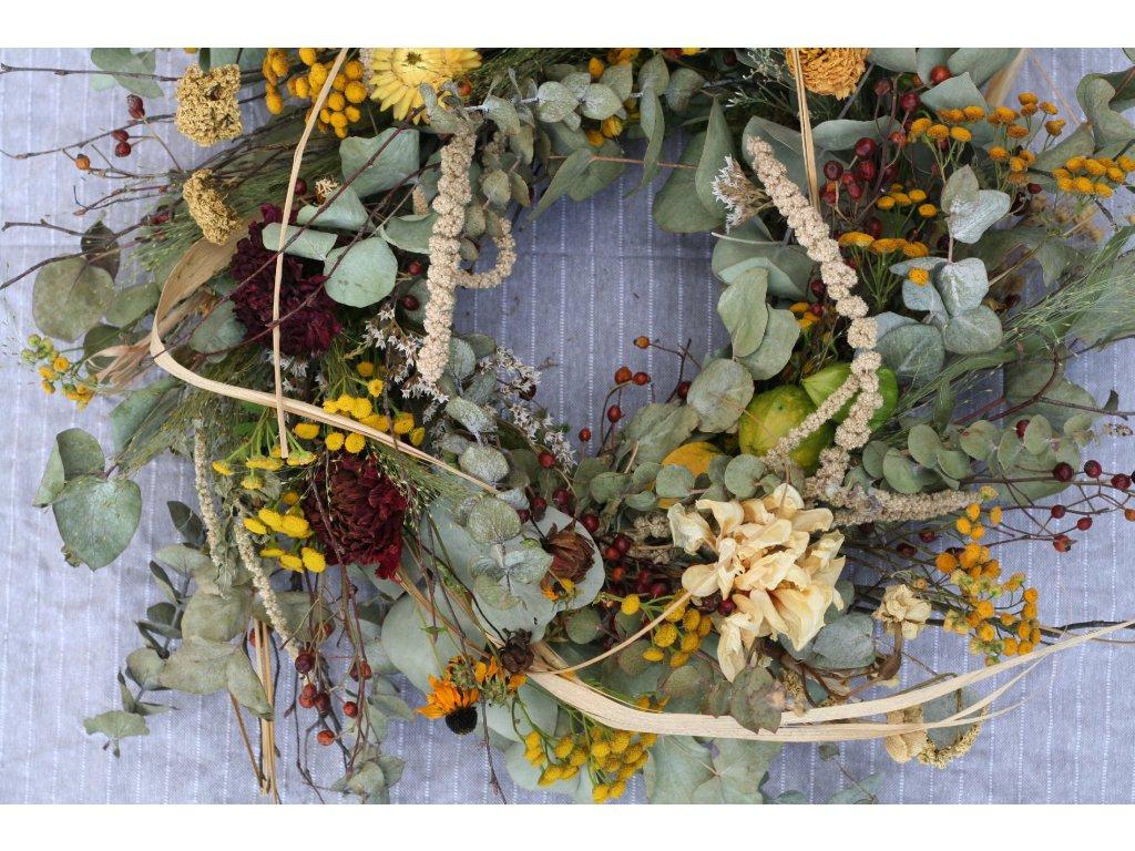 Věnec ze sušených květin