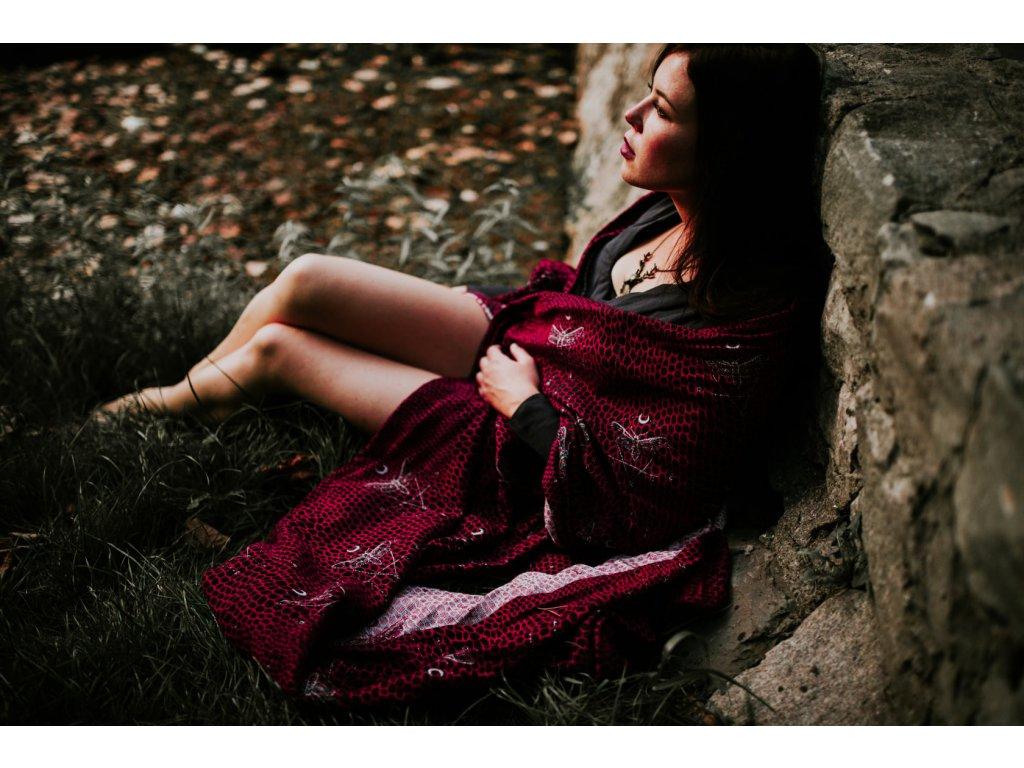 Šátek Wild Slings Les ténèbres – écailles de dragon