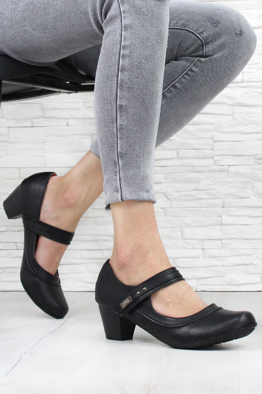 Dámská obuv RL 2561B (1)
