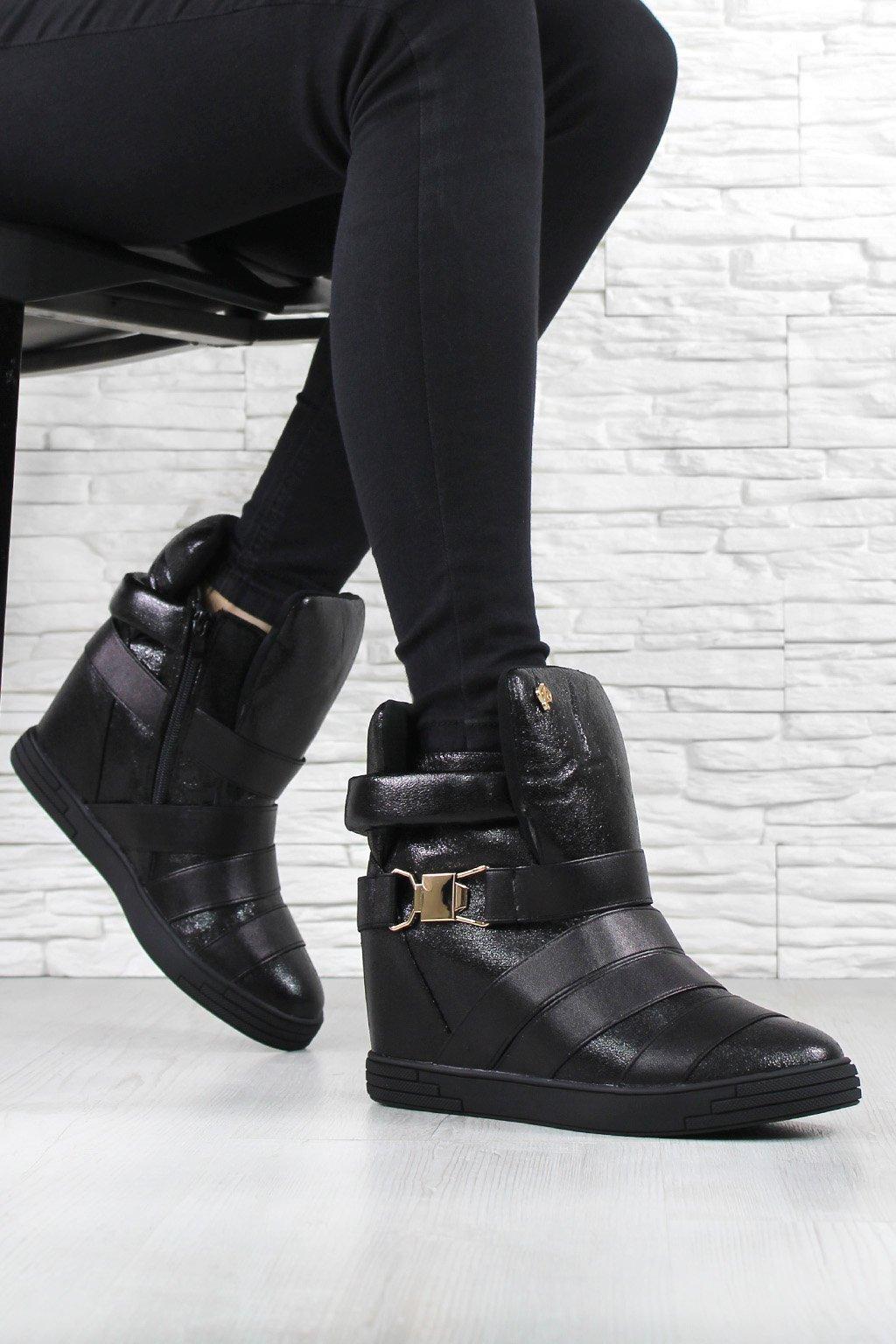 Kotníkové boty na klínku 2114B (1)