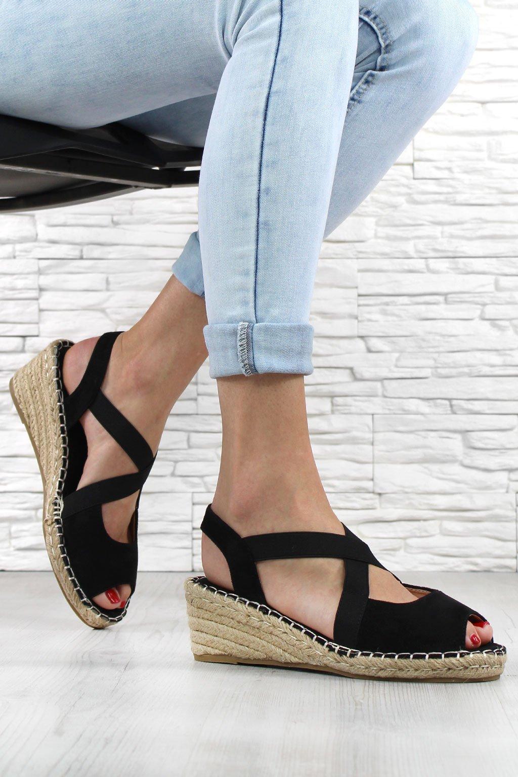 Sandále na klínku 1556 1B (1)