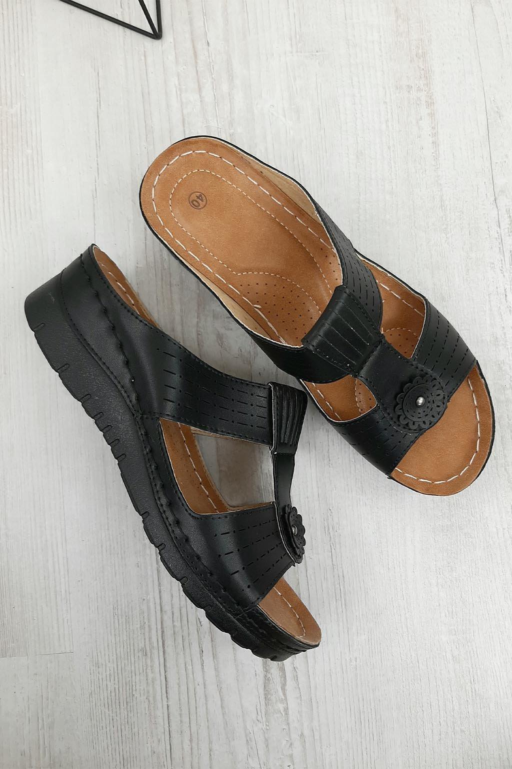 G 613 1B Pantofle na klínku (2)
