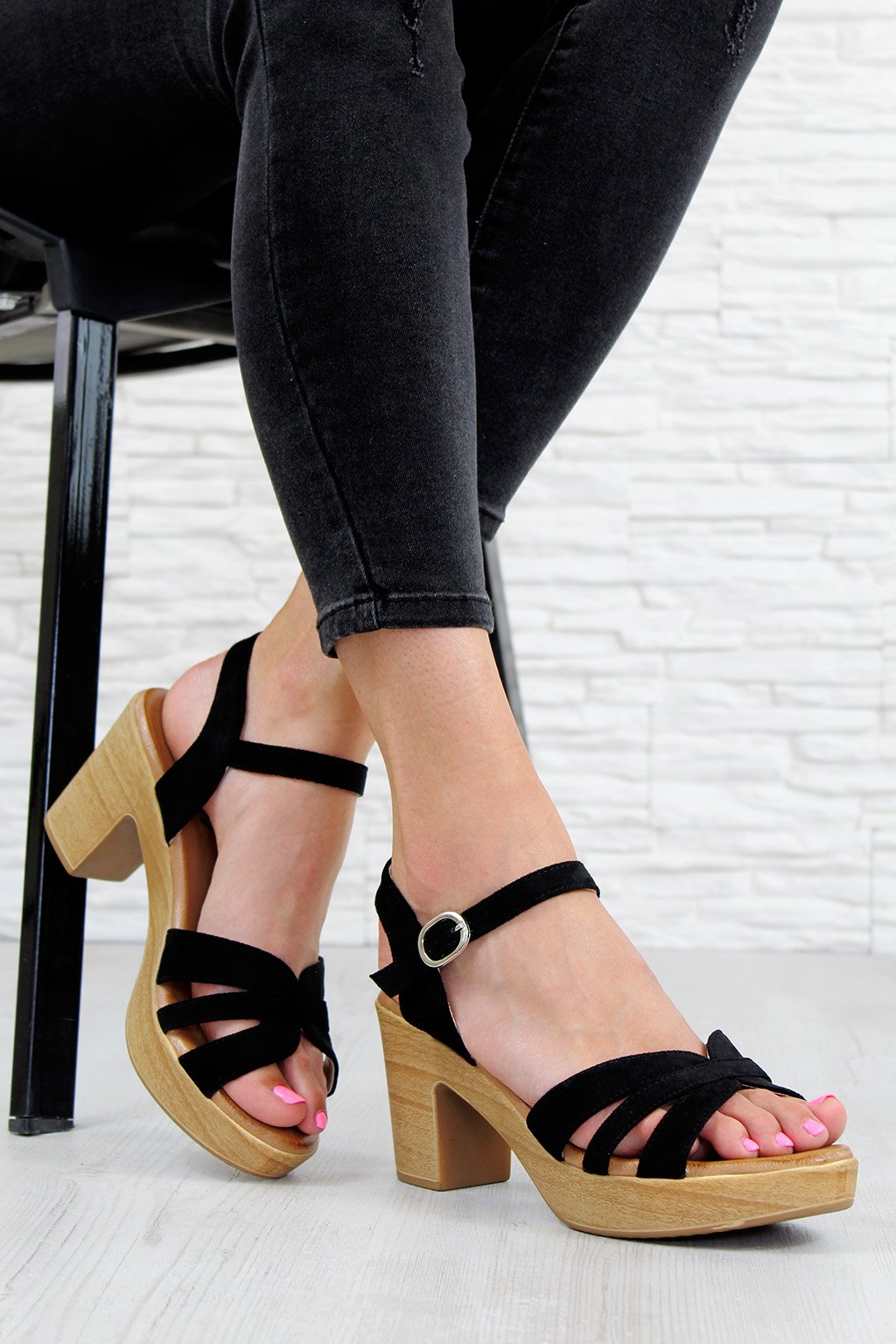 E016 1B Sandály na podpatku (3)
