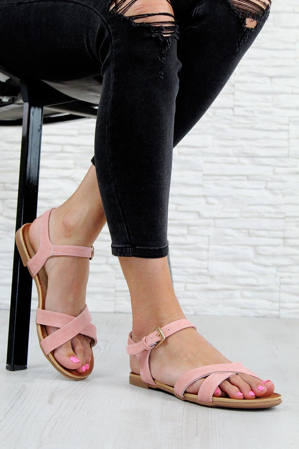 EL6960 3PI Růžové sandálky (2)