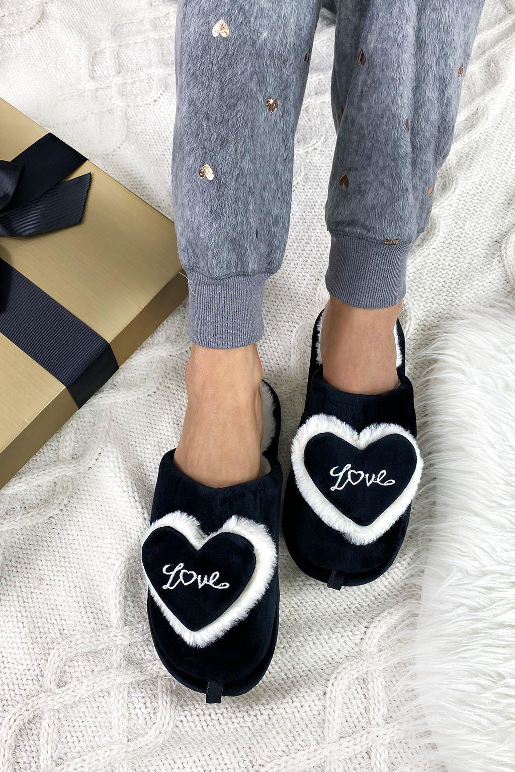 papuce cerne love