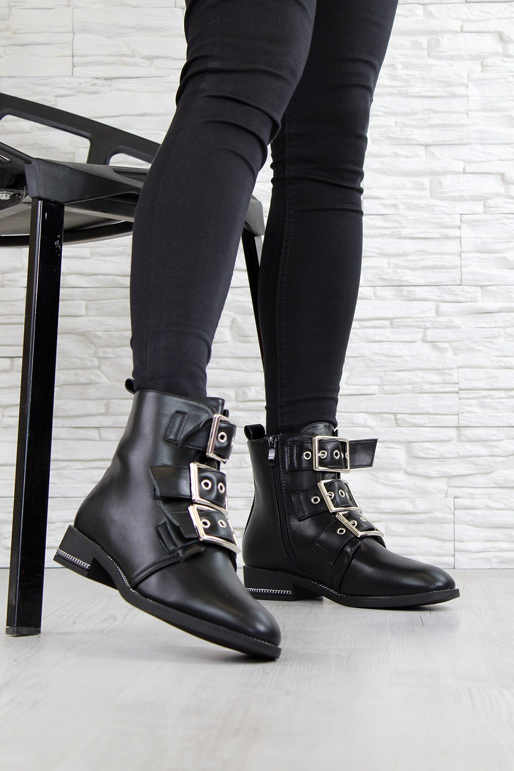 Kotníkové boty s přezkami NC696B (5)