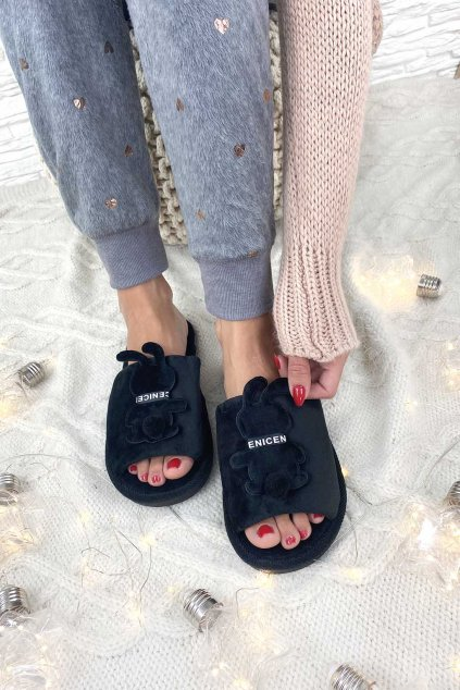Pantofle b