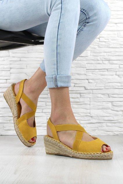 Žluté sandálky na klínku 1556 26YE (1)