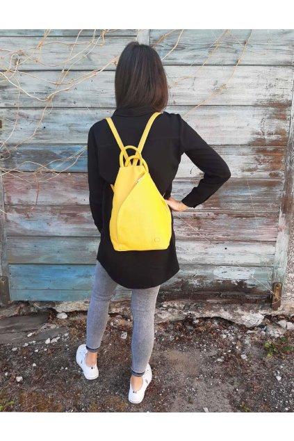128 MH.YE Žlutý batoh (1)