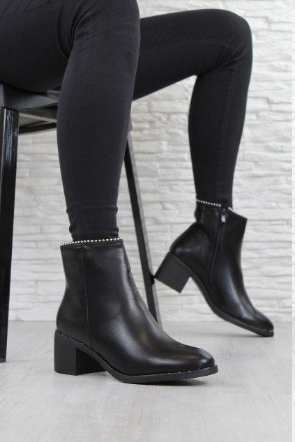 Kotníkové boty na podpatku NC270B (1)