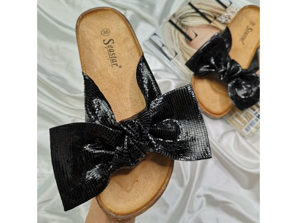 Úžasné pantofle s mašli barva černá
