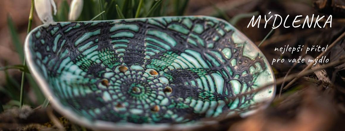 Ručně vyrobená keramická mýdlenka zelená
