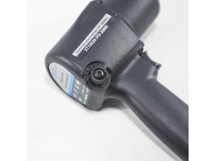 Utahovák pneu. 1/2'' 680N.m v plastovém boxu s příslušenstvím XT10026B