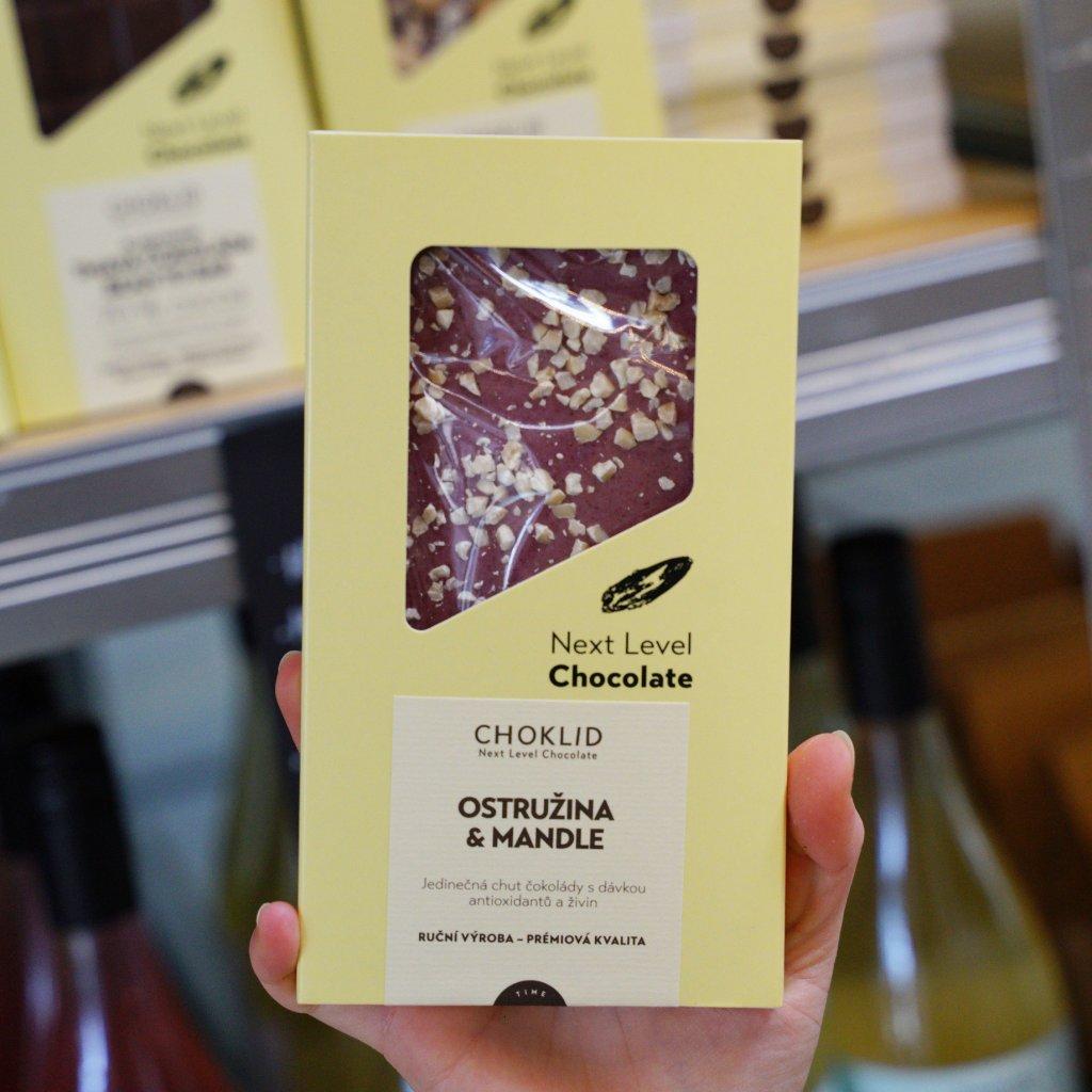CHOKLID Bílá čokoláda. Ostružiny a mandle