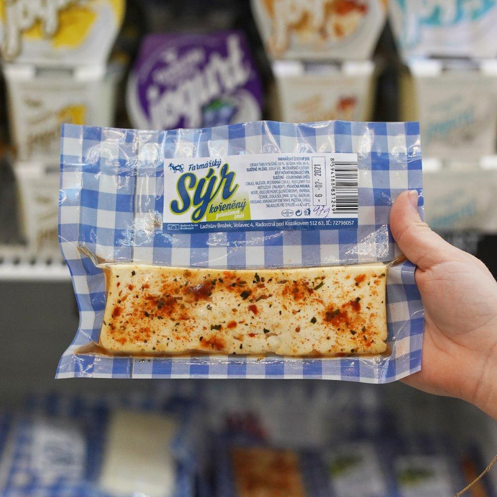 Čerstvý kořeněný sýr z farmy Volavec 100g