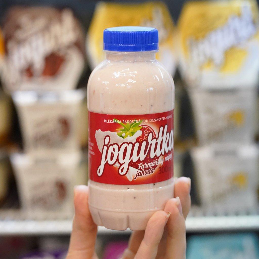Jogurtka jahoda z farmy Volavec 300ml