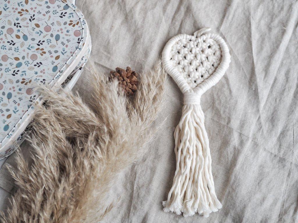 Makramé srdce - krémové