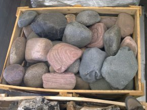Říční kameny