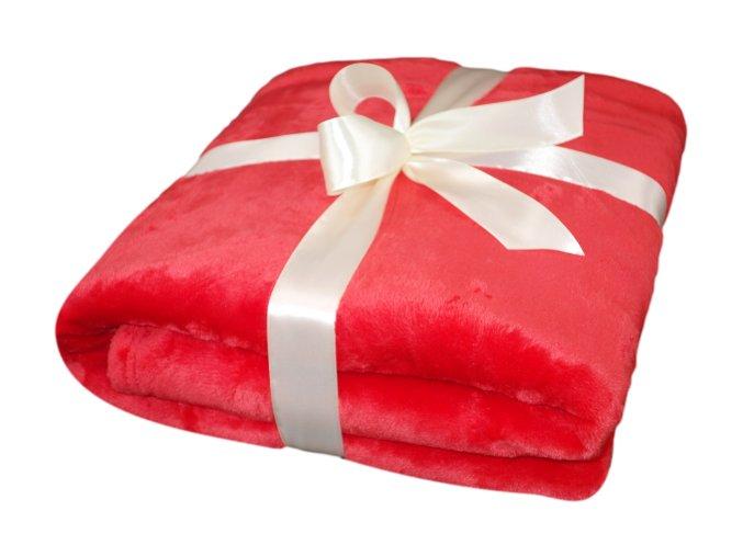 cervena deka detail