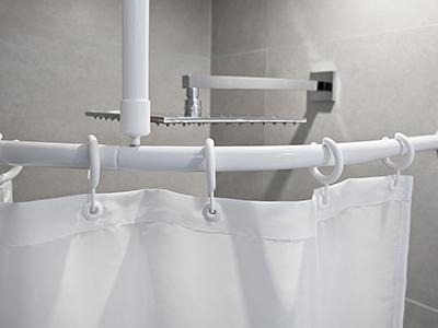 Kruhové bezbariérové závěsové sprchové tyče