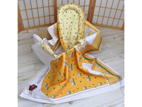 Textilní panel hnízdečko pro panenku žlutý