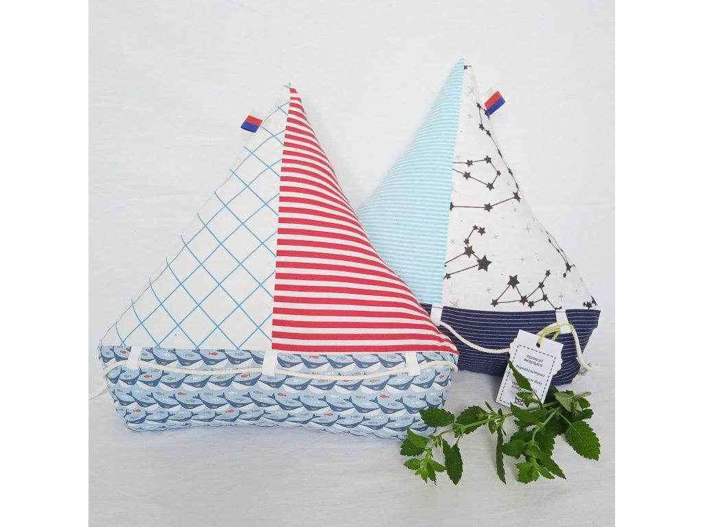 Velký polštář - Loď s meduňkou 36 x 38 cm