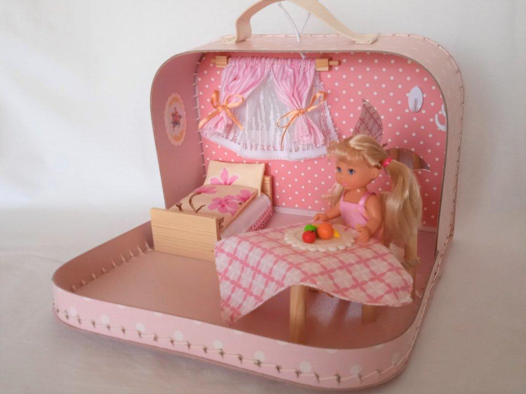 Růžový domeček s panenkou