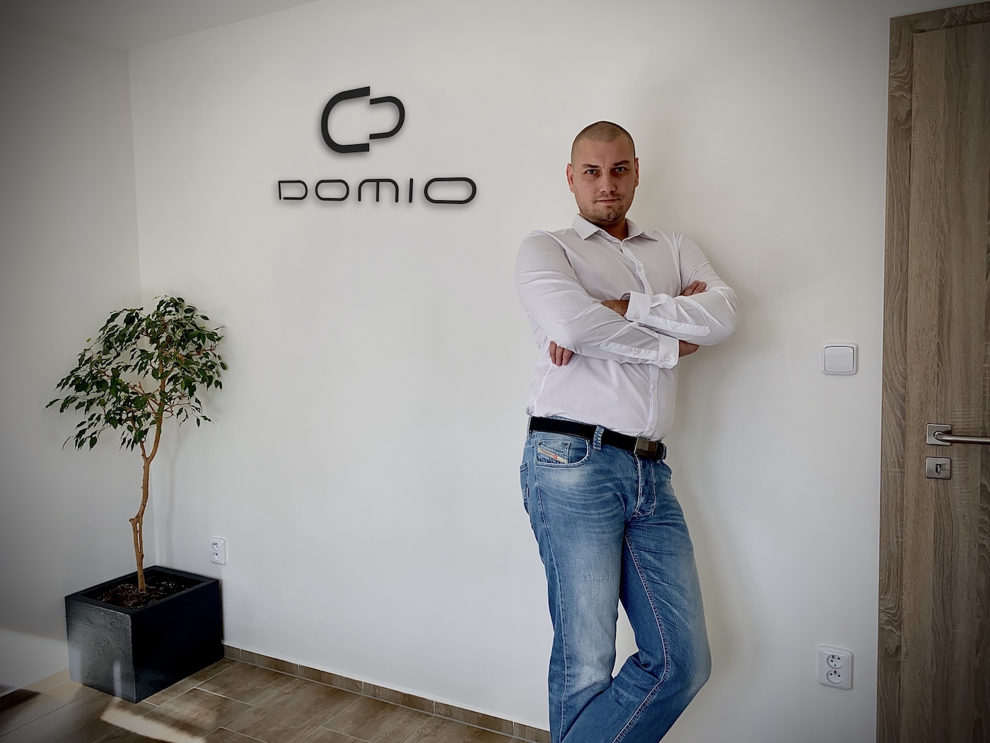 kancelar_domio_mensi