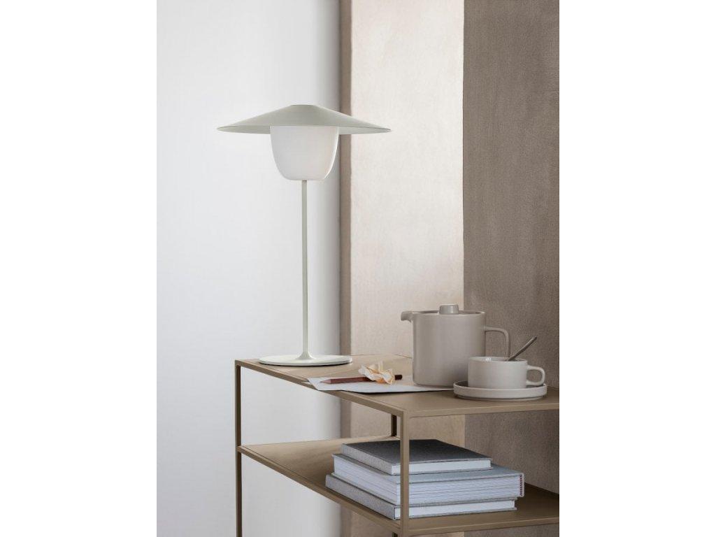 Přenosná LED lampička střední bílá BLOMUS