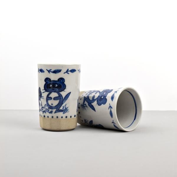 Made in Japan Hrnek s motivem mývala MUG SUSHI