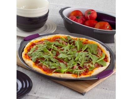 Forma na pizzu se silikonovými úchyty Glamour Violet 33 cm AMBITION