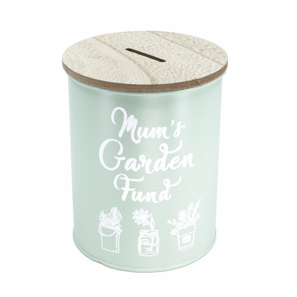 Plechová zelená pokladnička s dřevěným víkem a nápisem Mums Garden Fund