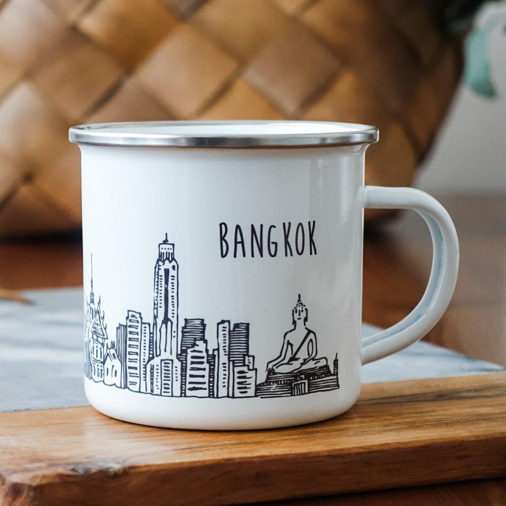 Bílý smaltovaný plecháček památkami Bangkoku a nápisem Bangkok 360ml