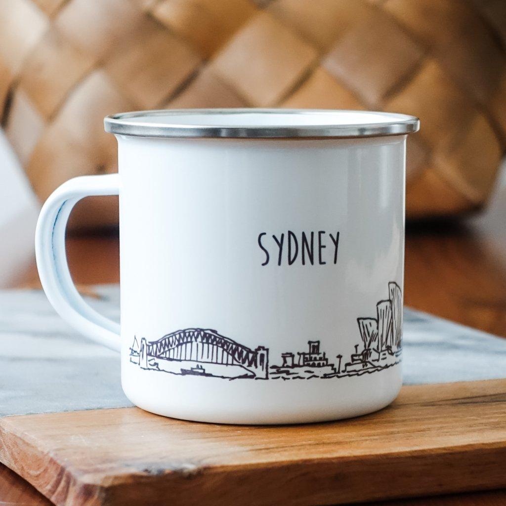 Bílý smaltovaný plecháček památkami Sydney a nápisem Sydney 360ml