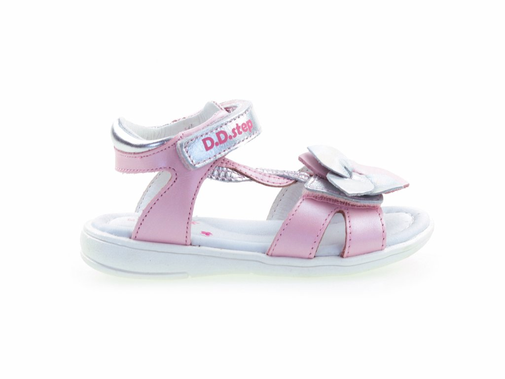 stříbrné kožené sandály