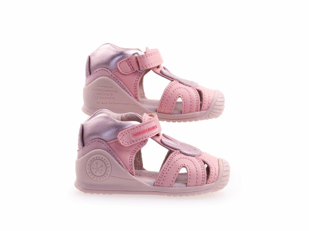 růžové sandály pro holčičky