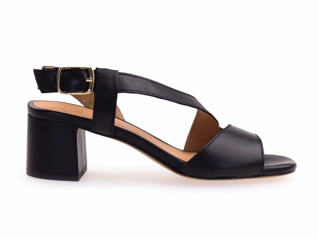 elegantní sandály