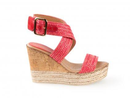 červené sandály na platformě