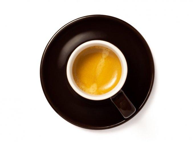 hnědý šálek lahodného espressa připravený ze směsi Espresso Amerika vyrobené v pražírně Don Franko