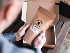 Dárková vyberova kava a k tomu vase osobite venovani je neco co dostane kazdeho