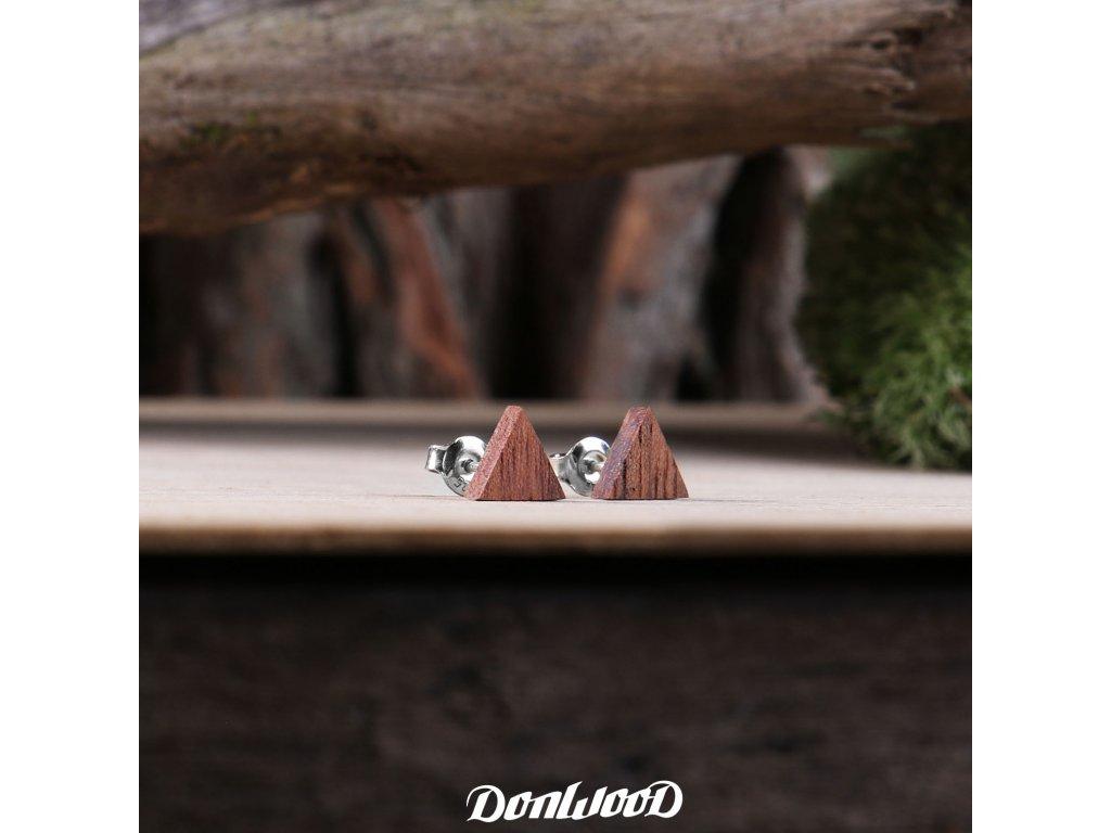 drevene nausnice trojuhelniky orech